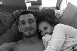 MMA bojovník Makhmud Muradov a speváčka Monika Bagárová už poznajú pohlavie očakávaného potomka!